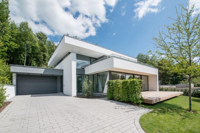 Moderne Villa mit Flachdach in Bad Soden