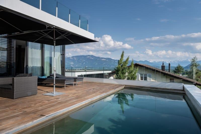 Luxushaus mit Pool auf Dachterasse