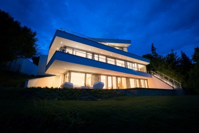 moderne Häuser mit Flachdach