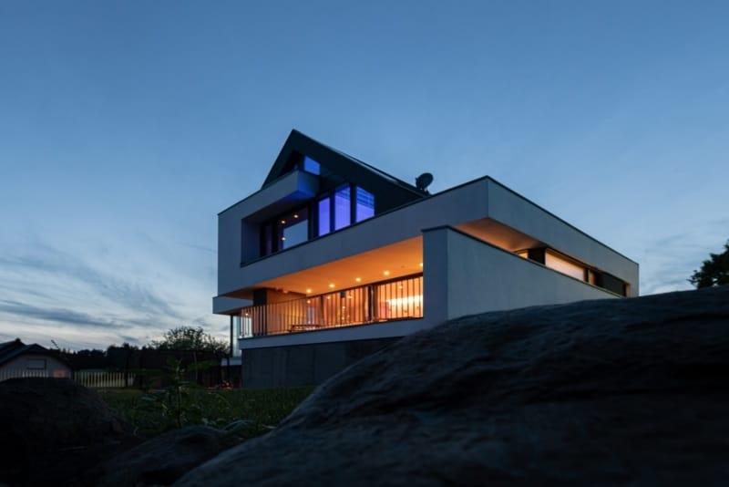 Haus am Hang mit Satteldach in Bad Marienburg
